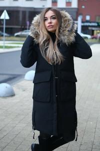 Зимний пуховик Макс Мара с натуральным мехом черный