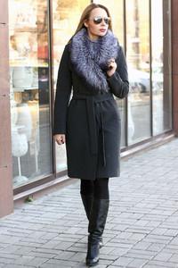Женское кашемировое пальто с чернобуркой на английском воротнике